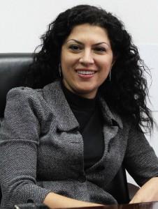 """Ева Димитрова е магистър по международни отношения и Европейска интеграция.З авършила е семестриално магистърска програма """"Икономика на недвижимата собственост"""" към УНСС. Работила е като директор Инвестиции в Томеком ЕООД, където е отговаряла за управлението, поддръжката, състоянието и отдаването под наем на имотите в портфолиото. От 2008 година е в Управленския екип на Омека Мениджмънт ООД."""