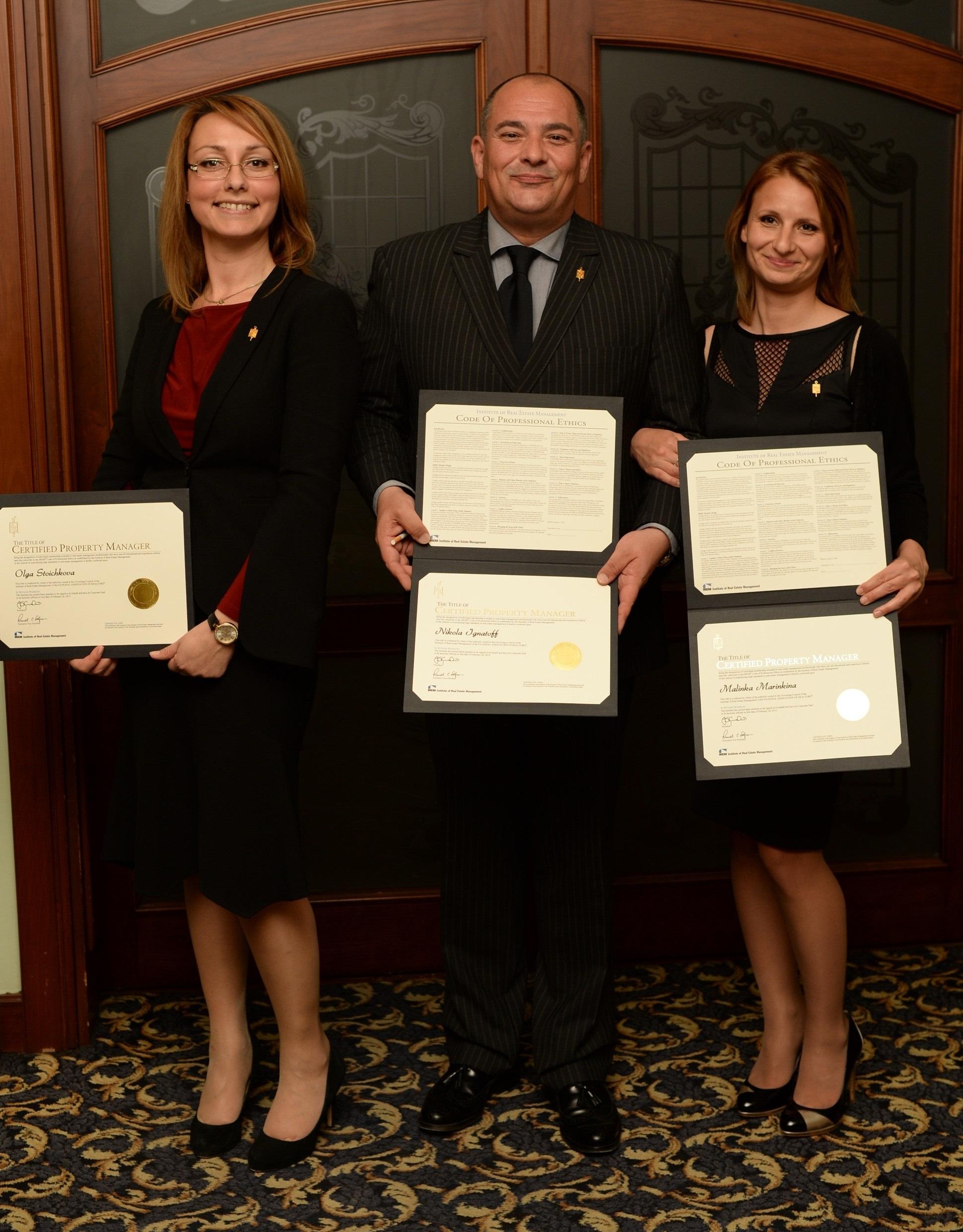O. Stoychkova, N. Ignatoff i M. Marinkina sas CPM sertificatite si